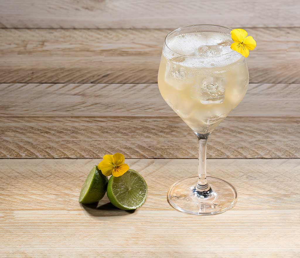 Summery Cocktail - Liquid Spirit Events